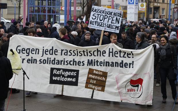 Demo gegen Rassismus in Stuttgart. Foto: Martin Storz